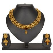 Pourni Stylish Brass Necklace Set_Prnk82 - Golden