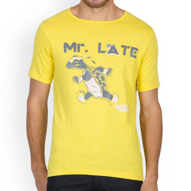 Incynk Half Sleeves Printed Cotton Tshirt For Men_Mht212yl - Yellow