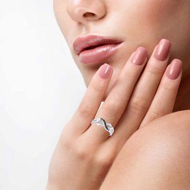 Kiara Swarovski Signity Sterling Silver Parthavi Ring_KIR1042